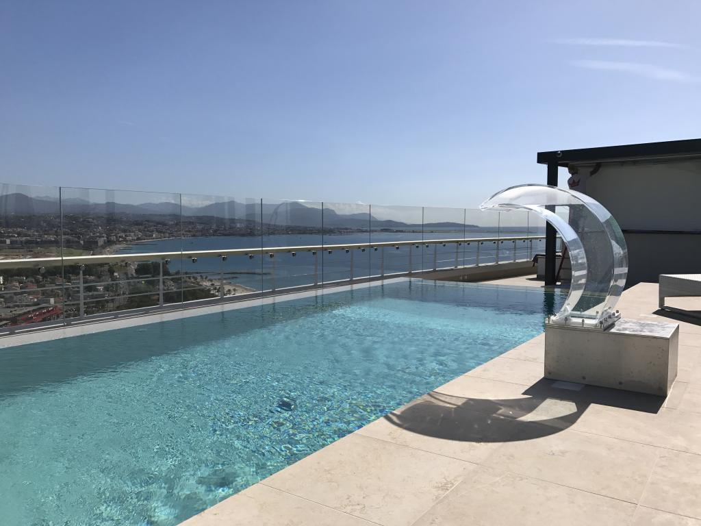 piscine sur toit terrasse r alisation baticoncept. Black Bedroom Furniture Sets. Home Design Ideas
